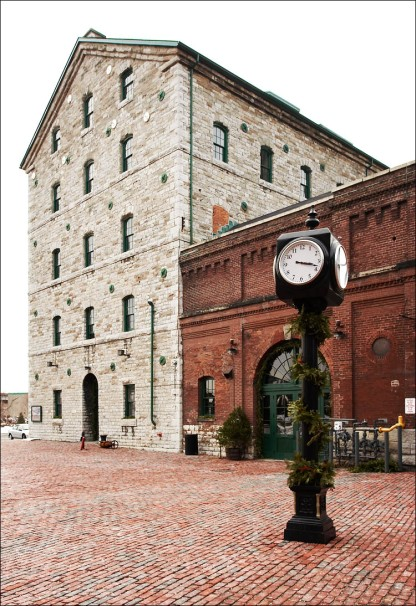 distillery_district_tall_clock