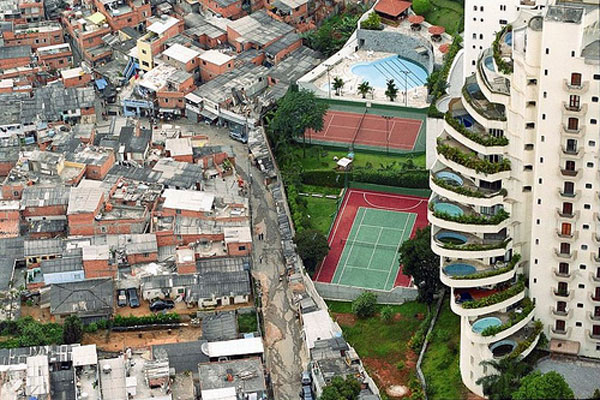 Sau Paulo (Brazil). Photo by Tuca Vieira
