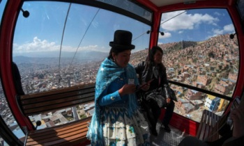 bolivia-la-paz-cable-car-reuters-guardian